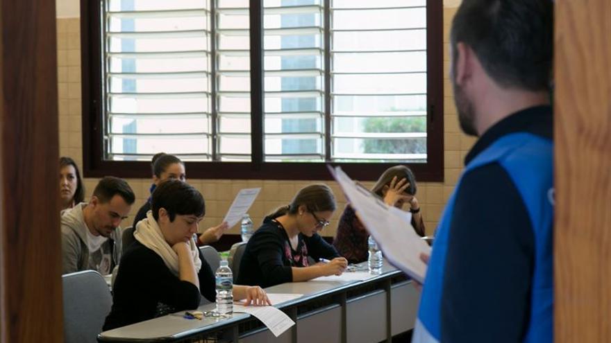 Este domingo se celebra en Canarias el examen de la Oferta Pública de Empleo de Enfermería de 2007.