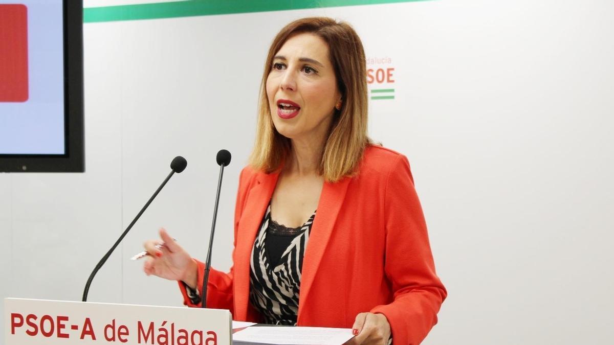 La portavoz de Educación del grupo parlamentario socialista, Beatriz Rubiño.