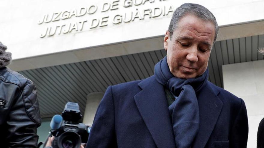 Eduardo Zaplana reitera su inocencia tras firmar por segunda vez en el juzgado de guardia