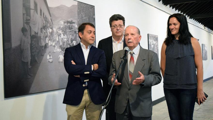 Presentación de la exposición del fotógrafo Trino Garriga en la sala de arte Los Lavaderos de la capital tinerfeña
