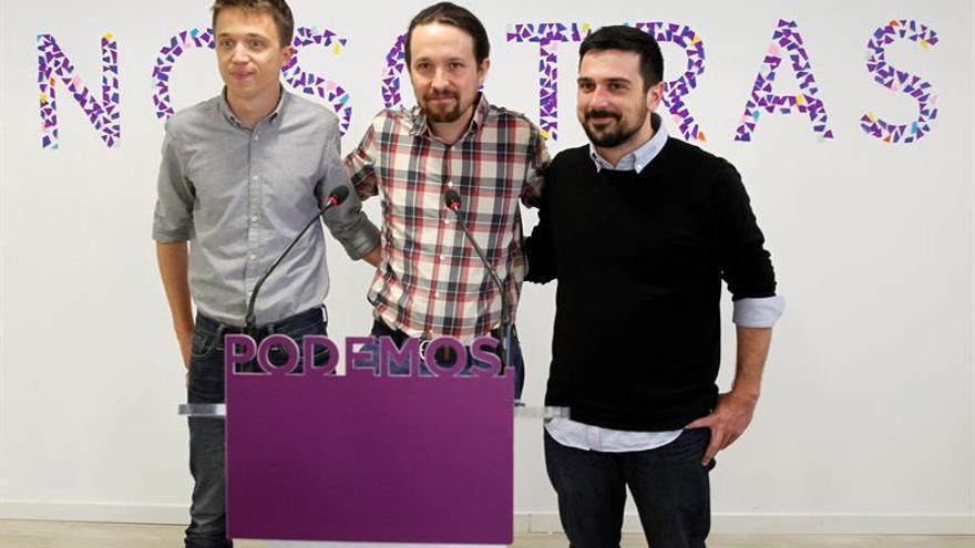 Pablo Iglesias, Íñigo Errejón y Ramón Espinar, tras solventar la penúltima crisis de Podemos en abril de 2018.