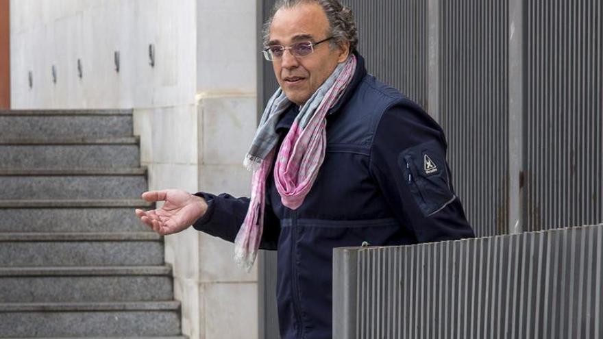 Fianza de 80.000 euros para un ex gerente hospitalario, investigado por malversación
