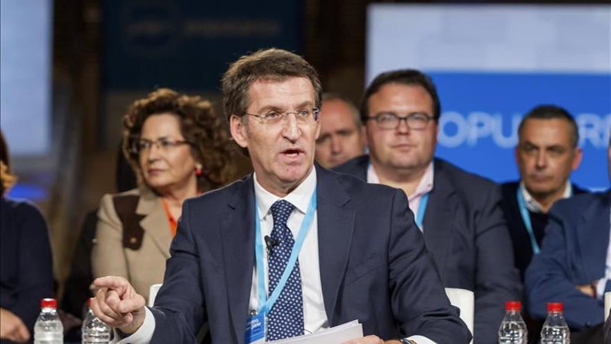 Feijóo no cree que Monago deba dimitir por sus viajes a Canarias como senador