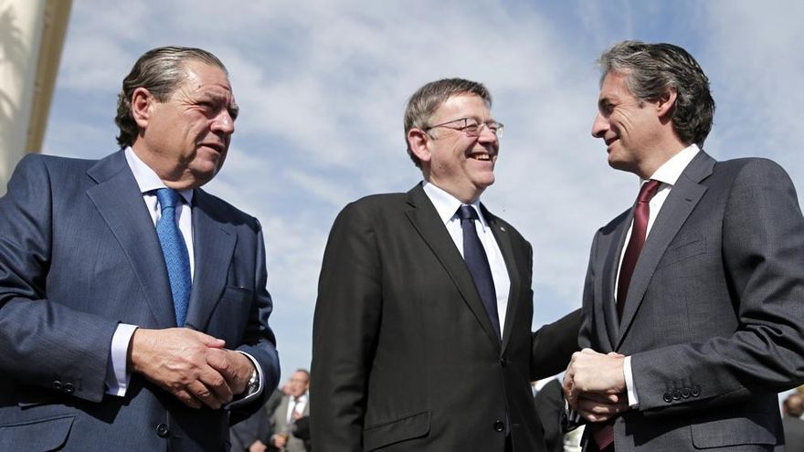 El minsitro de Fomento, Íñigo de la Serna (derecha) junto al presidente de AVE, Vicente Boluda y el president de la Generalitat, Ximo Puig