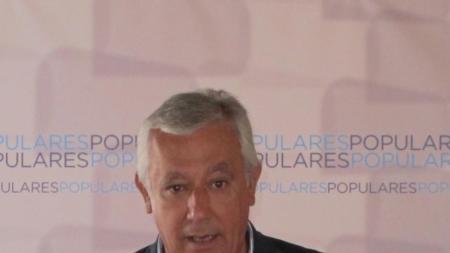 """Arenas minimiza el ascenso de C's y dice que el adversario sigue siendo el PSOE y sus """"aliados radicales"""""""