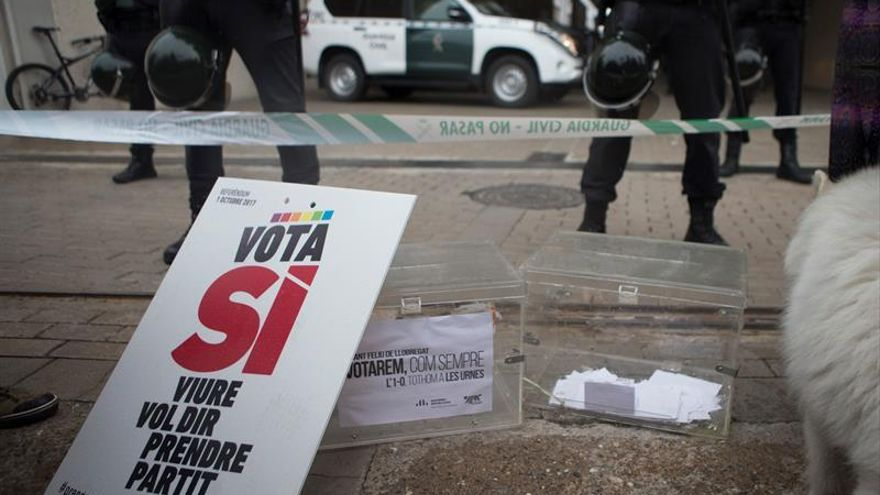 La Guardia Civil interviene 100 urnas y 2,5 millones de papeletas en Igualada