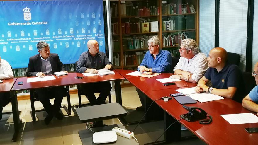 En la imagen, reunión con el sector vitivinícola.