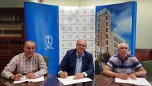 Firma del convenio entre el Cabildo y el Ayuntamiento de Tazacorte.