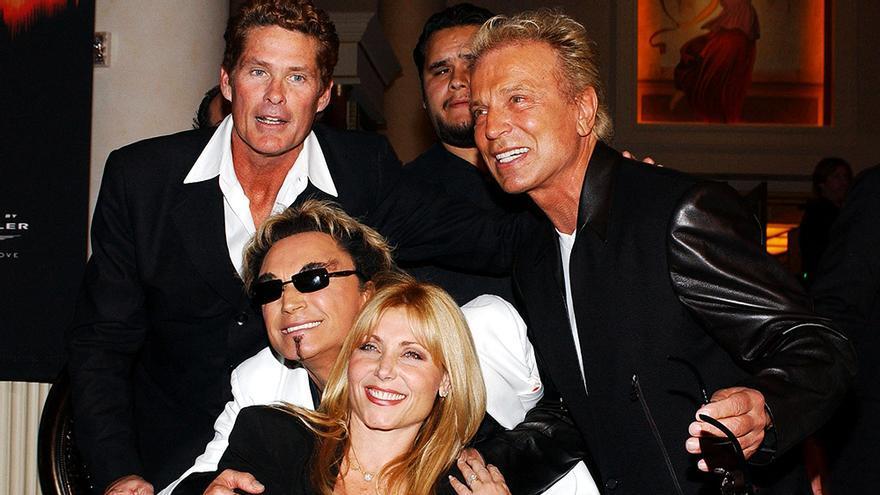 Siegfried y Roy en un evento de 2003 junto a David Hasselhoff