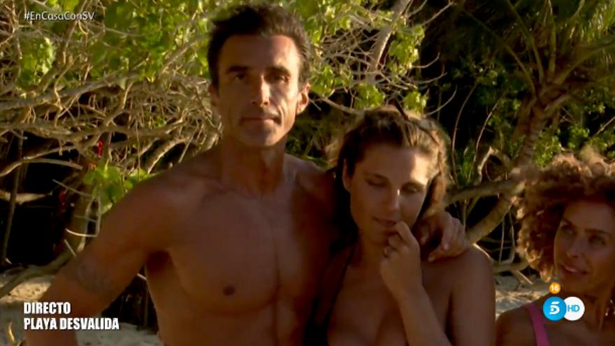 """'Supervivientes' preguntó a la audiencia si quería una noche íntima entre Hugo e Ivana y la audiencia respondió: """"NO"""""""