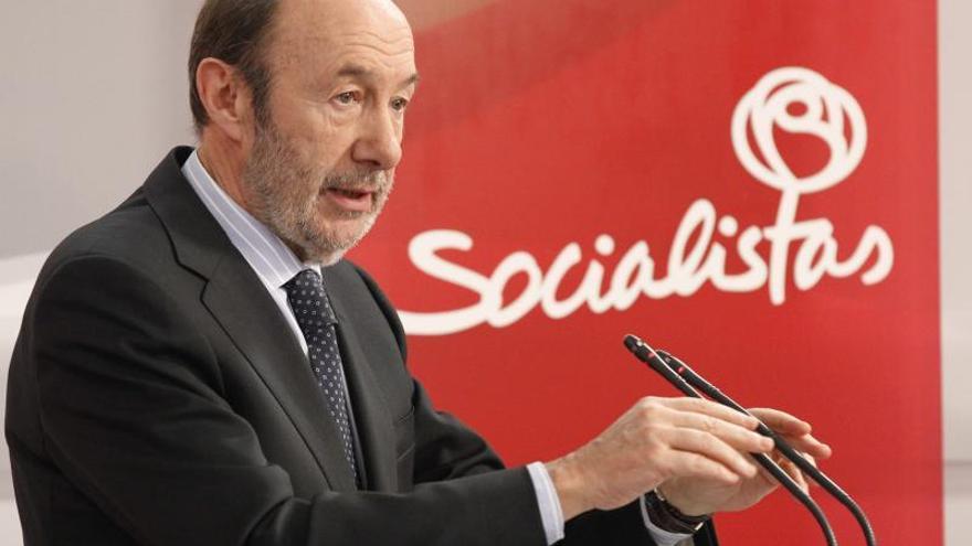Rubalcaba cree que Cospedal debe pedir a Rajoy que retire copago hospitalario