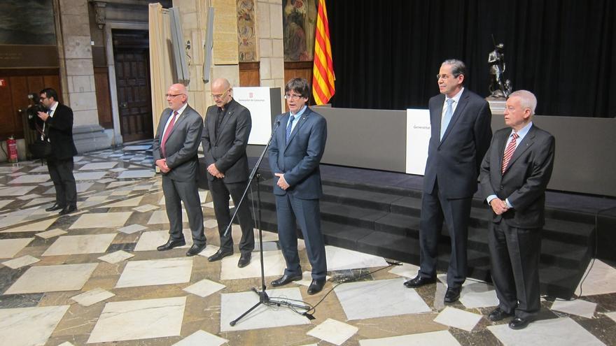 """Puigdemont dice a los cónsules que la independencia se acerca: """"Van a tener trabajo"""""""