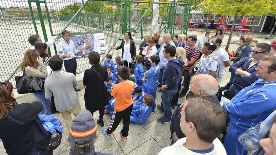 De la Serna presenta una propuesta de acondicionamiento provisional para la zona de Varadero