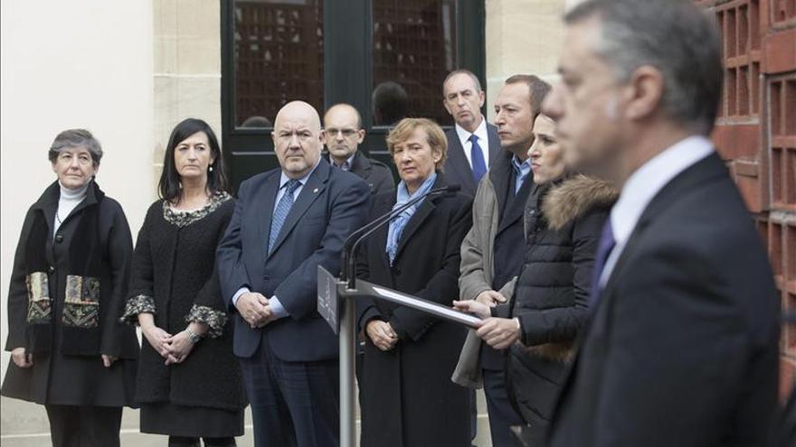 Las víctimas son recordadas en Euskadi en medio de la división