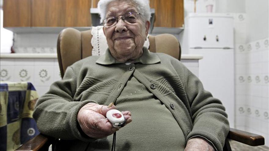 Madrid introduce hoy el copago en la teleasistencia para los nuevos usuarios