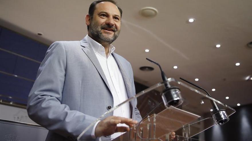 Ábalos afirma que el PSOE ofrece alternativa a la polarización en Cataluña