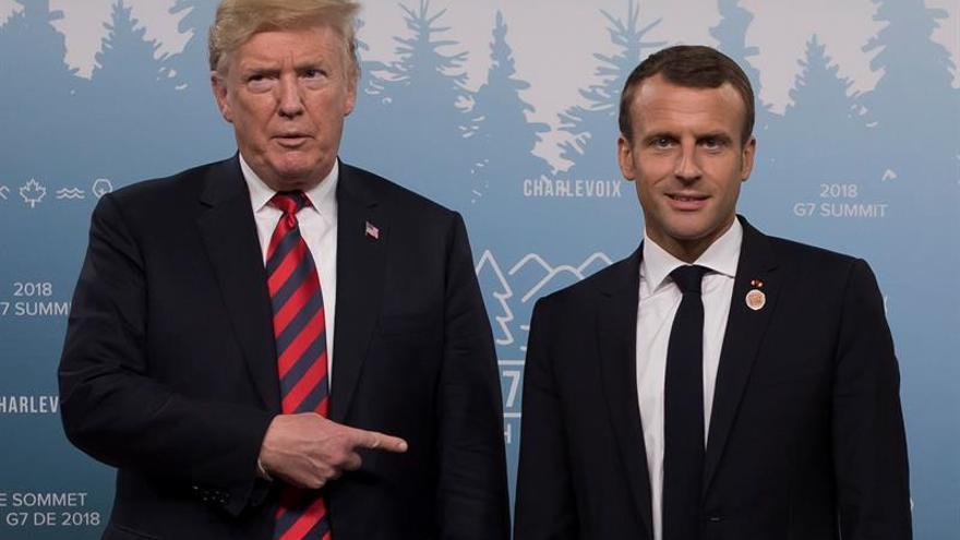 Otro inusual saludo entre Trump y Macron vuelve a captar la atención mundial