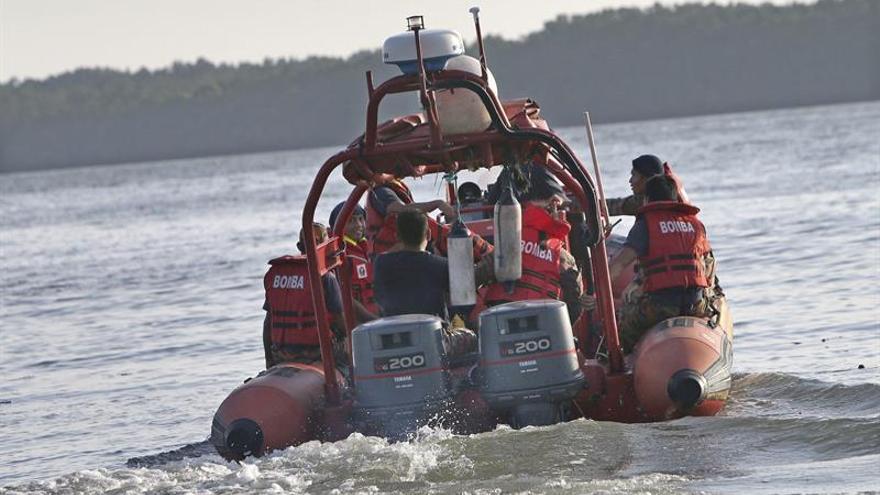 Malasia continúa la búsqueda de dos españoles desaparecidos en el mar