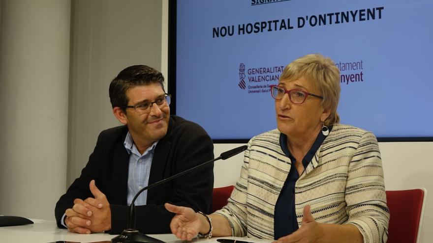 Jorge Rodríguez, alcalde de Ontinyent, y Ana Barceló, consellera de Sanidad
