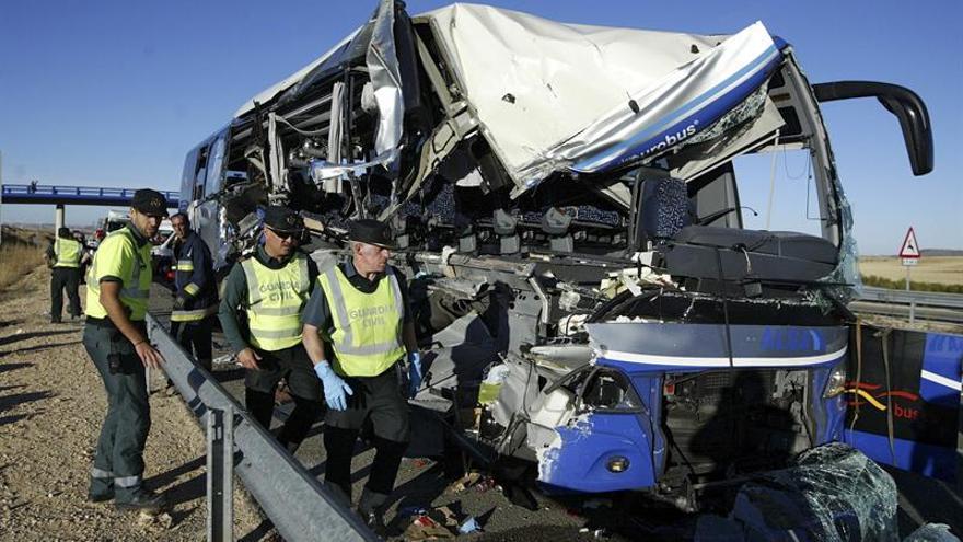 Nueve heridos graves entre los accidentados en la colisión de un autobús en Soria