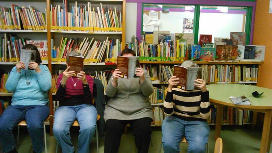 Club de lectura para personas mayores