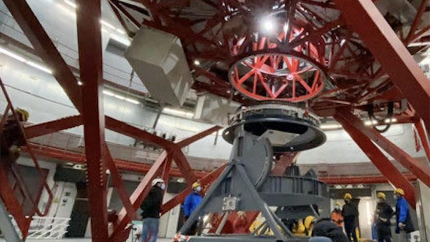 El Grantecan instala el nuevo rotador del foco Cassegrain que amplía su capacidad para observar el Universo
