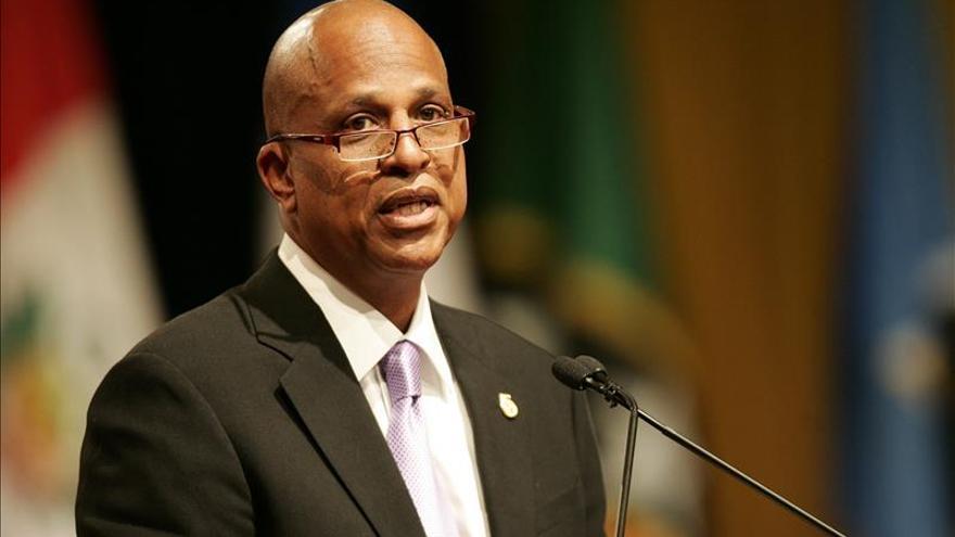Dean Barrow hará historia en su tercer mandato como primer ministro de Belice