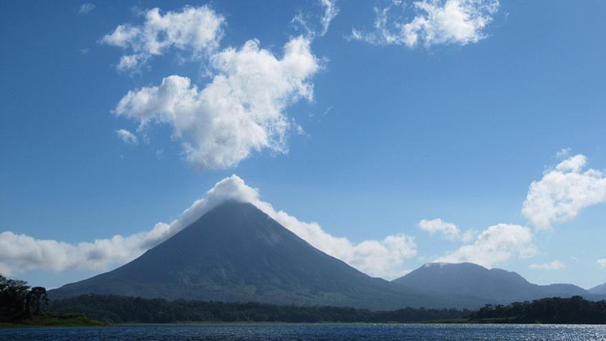 Silueta perfecta del Volcán del Arenero. Leonora Enking