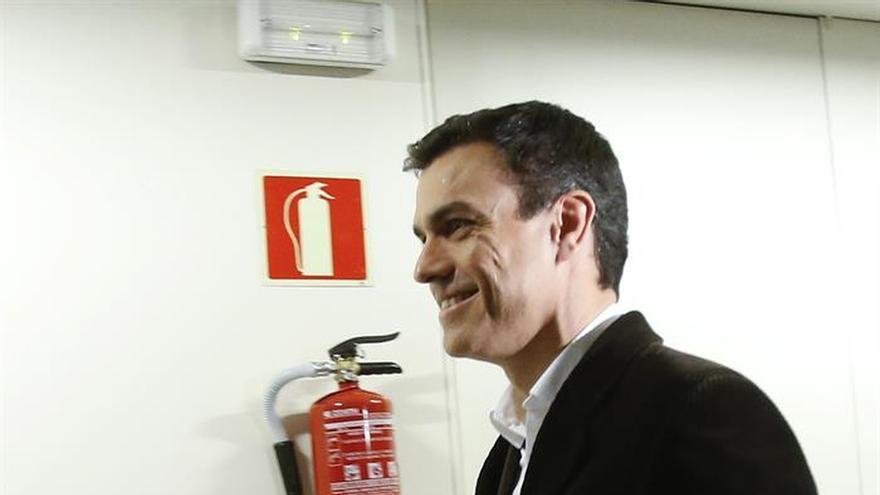 Sánchez se reúne en secreto con Rivera en el Congreso