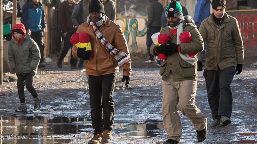 """La evacuación de la """"jungla de Calais"""", aplazada por la justicia"""