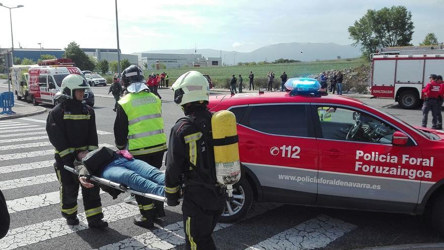 125 efectivos de seguridad y emergencias participan en un simulacro de un accidente aéreo cerca del aeropuerto de Noáin