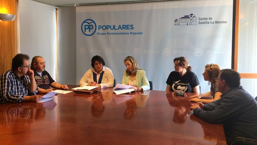 Reunión con el PP. FOTO: Sí a la Tierra Viva