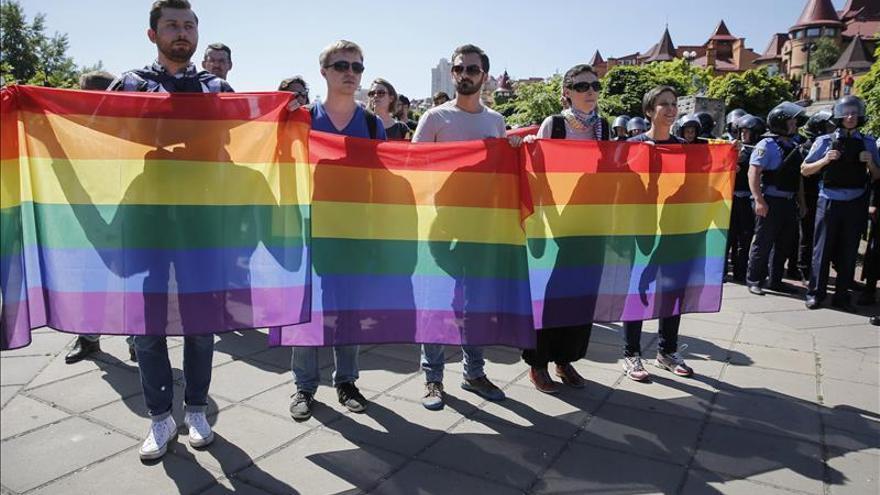 Cinco policías heridos durante la marcha del orgullo gay en Kiev