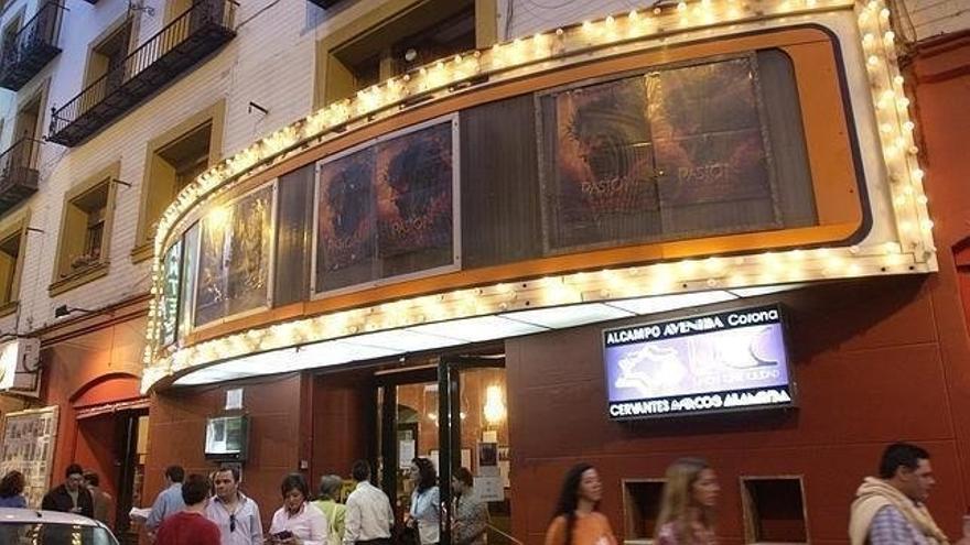 La recogida de firmas en Internet en defensa de los cines Alameda, Avenida y Cervantes suma 10.000 adhesiones