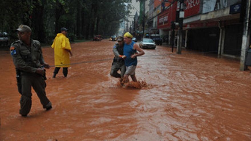 Miles de personas reultaron afectas por las fuertes lluvias en el estado de Río