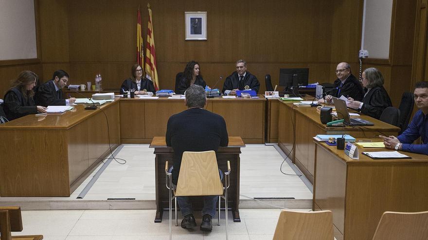 El agente acusado, ante el tribunal