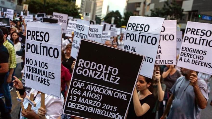 """Familiares de los """"presos políticos"""" venezolanos denuncian los atropellos que viven"""