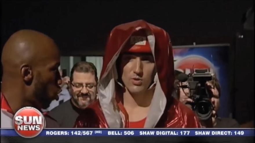 Justin Trudeau, al comienzo del combate.