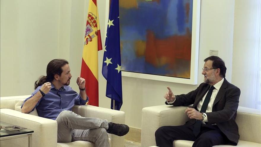 Rajoy recibe a Iglesias en Moncloa en su ronda de contactos tras el 20D