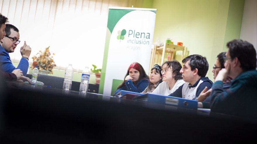 Se reúnen cada 15 días en la sede de Plena Inclusión Aragón