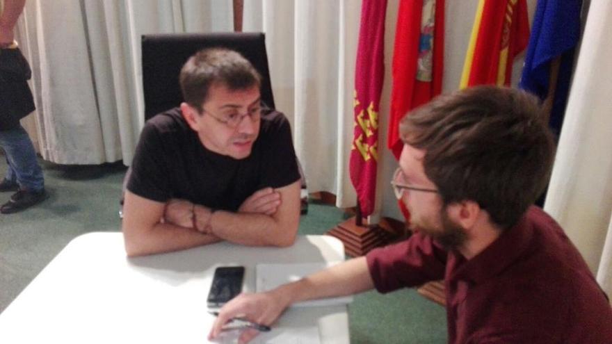 """Monedero admite que """"andaba un poco enfadado por un alejamiento de las bases"""" cuando dejó la dirección de Podemos / LH"""