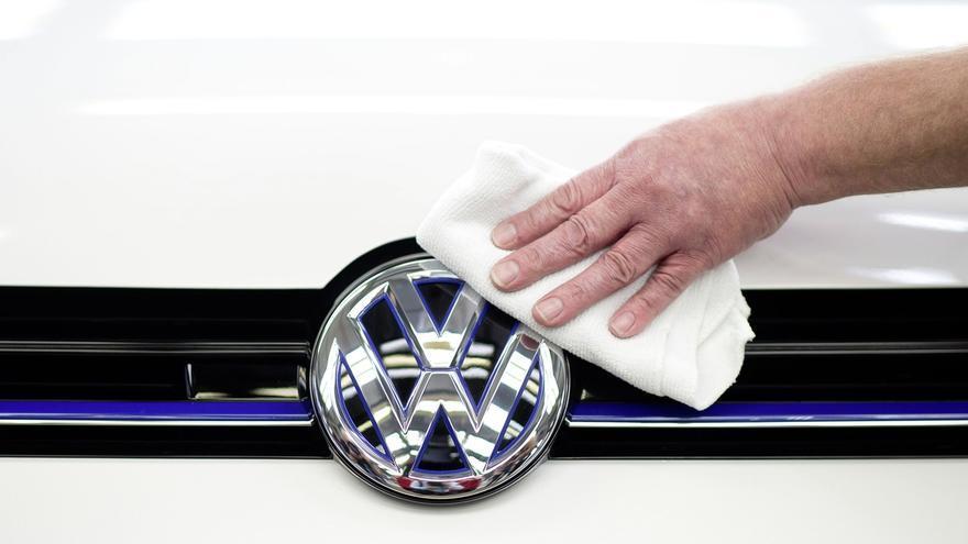 Volkswagen dice que en España hay unos 50.000 vehículos afectados por irregularidades en las emisiones de C02