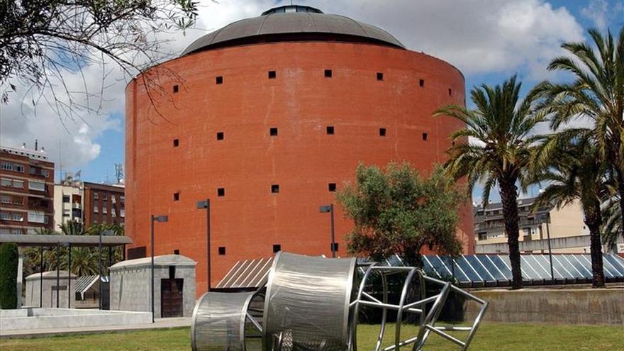 El Museo Extremeño de Arte Contemporáneo expone setenta piezas en Madrid