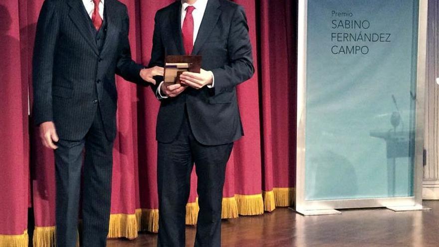 """El operativo de rescate del 802 y el """"pintor de batallas"""" premios Fernández Campo"""