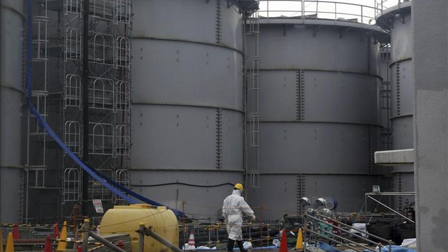 Detienen por avería el sistema para reciclar agua radiactiva de Fukushima