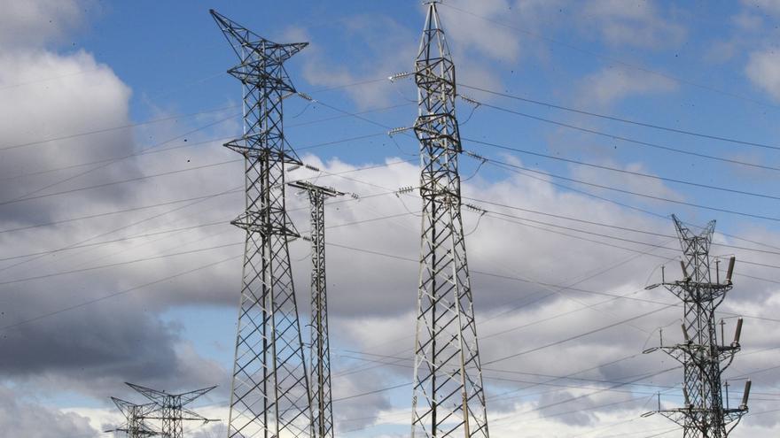 Los hogares españoles pagaron el quinto recibo de electricidad más caro de la UE a cierre de 2015
