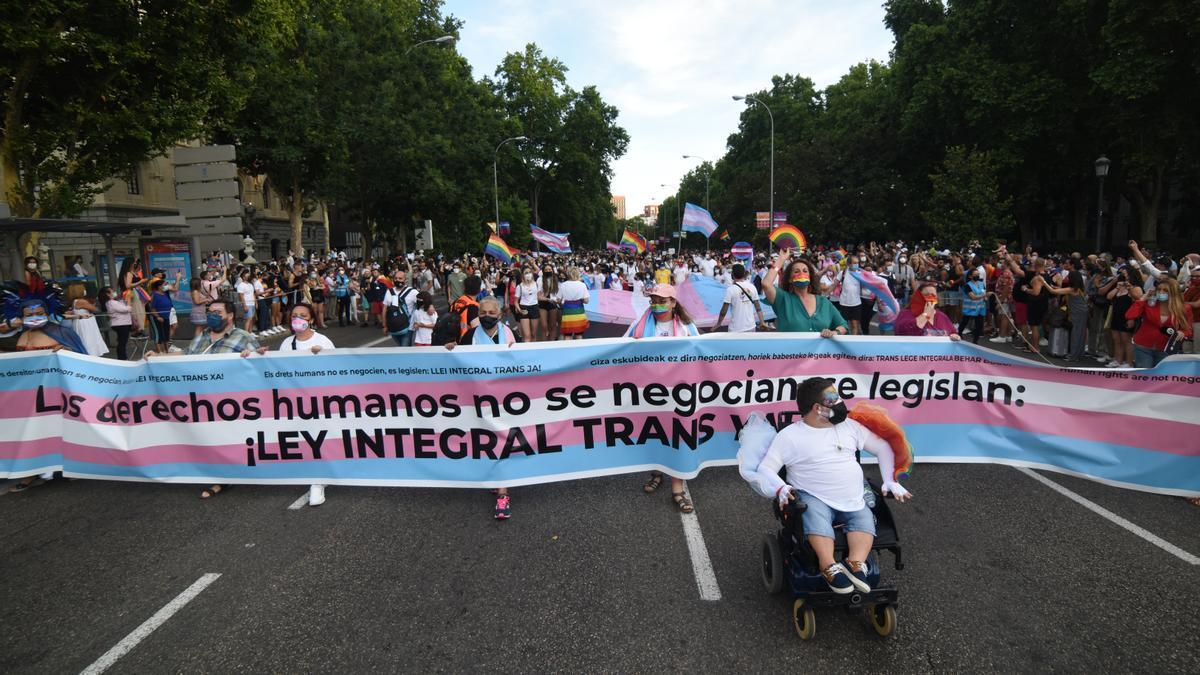 Cabecera de la manifestación del Orgullo 2021 en Madrid