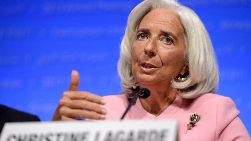 Lagarde advierte que el crecimiento mundial está atascado a baja velocidad