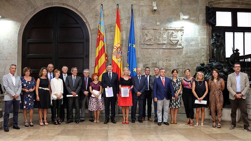 El president Ximo Puig y la consellera Gabriela Bravo tras la reunión mantenida con motivo del proyecto de la Ley de Función Pública