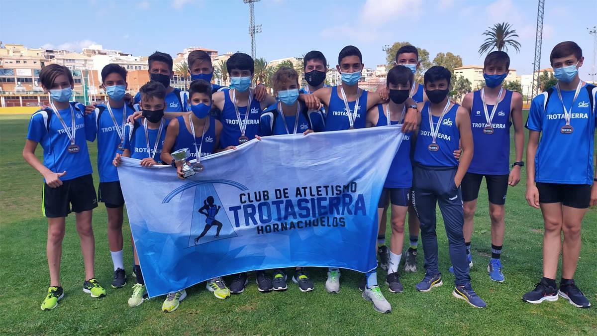 Atletas del Trotasierra, terceros en el Andaluz.